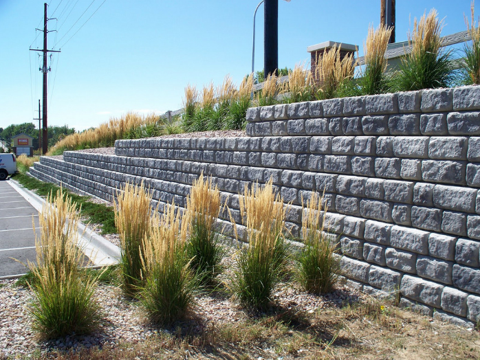 A picture of retaining wall in Sunnyvale, CA.